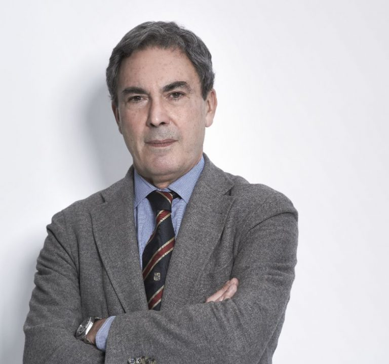 """""""Questo virus sarà presto poco più di un raffreddore"""" parola del virologo Massimo Clementi"""