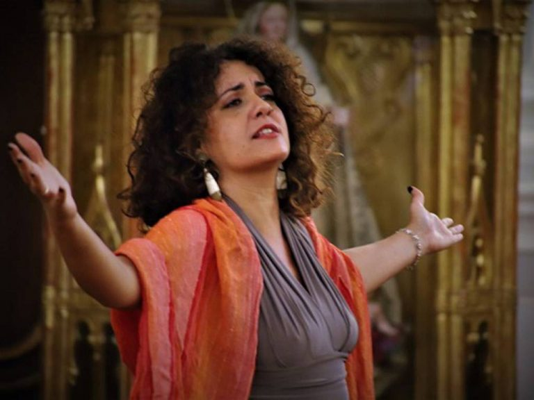 A Napoli Francesca Curti Giardina è quella voce che fa vibrare il cuore