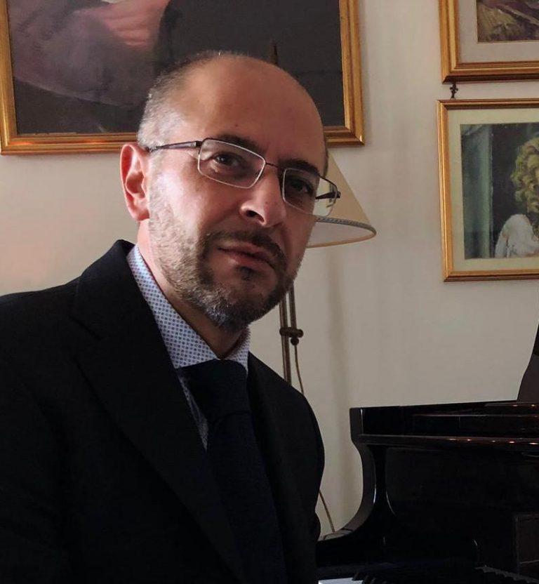 """""""Nessun artista basta a se stesso"""": viaggio nella poetica musicale di Pasquale Mosca"""