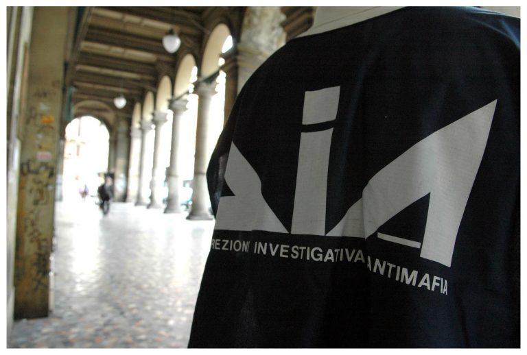 Le mafie stanno facendo affari in questi mesi di coronavirus ovunque in Italia