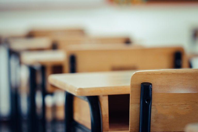 La politica che corrompe la scuola. Il racconto di un testimone oculare…